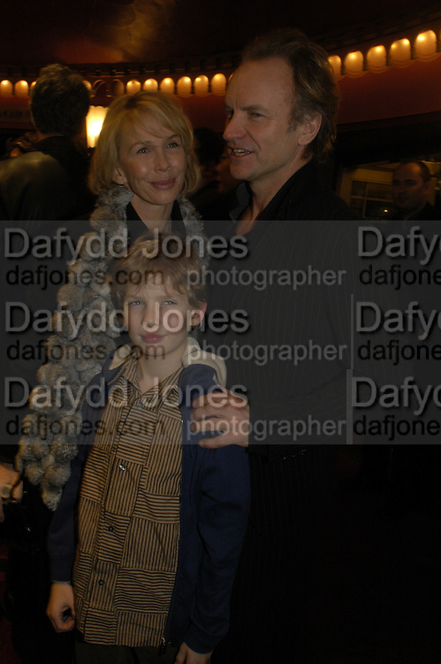 Trudie Styler, Sting and son, Mary Poppins Gala charity night  in aid of Over the Wall. Prince Edward Theatre. 14 December 2004. ONE TIME USE ONLY - DO NOT ARCHIVE  © Copyright Photograph by Dafydd Jones 66 Stockwell Park Rd. London SW9 0DA Tel 020 7733 0108 www.dafjones.com