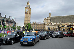 London Taxis protesting at Olympic Lane access,Parliament Square, London, Tuesday July 17, 2012. Photo By i-ImagesLondon Taxis protesting at Olympic Lane access,Parliament Square, London, Tuesday July 17, 2012. Photo By i-Images