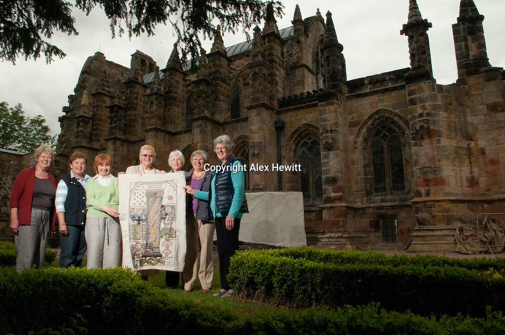 Great Tapestry of Scotland.  Meeting the Roslin group at Roslin Chapel<br /> picture by Alex Hewitt<br /> alex.hewitt@gmail.com<br /> 07789 871 540