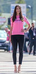 26.05.2017, Piancavallo, ITA, Giro d Italia 2017, 19. Etappe, Innichen (San Candido) nach Piancavallo, im Bild ein Model, das das Rosa Trikot, Maglia Rosa, präsentiert // a girl presents the pink jersey during the 19 th stage of the 100 th Giro d Italia cycling race from Innichen (San Candido) to Piancavallo, Italy on 2017/05/26. EXPA Pictures © 2017, PhotoCredit: EXPA / Martin Huber