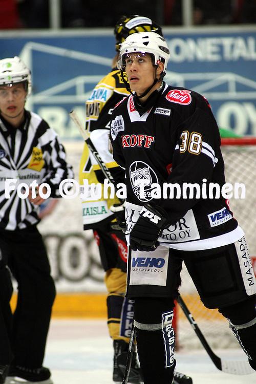 20.11.2008, Turkuhalli, Turku..J??kiekon SM-liiga 2008-09..TPS - SaiPa.Sami Ven?l?inen - TPS.©Juha Tamminen.....ARK:k