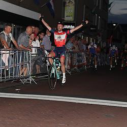 20-08-2016: Wielrennen: Guus Caarels Memorial: Goor<br />GOOR (NED) wielrennen  <br />Roy Eeftink is in Goor de sterkste voor Twan Brusselman en Joey van Rehee