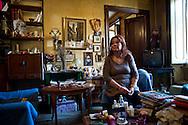 Roma 31Ottobre 2013<br /> Gilda 65anni, abita in via delle Fornaci, dove vive da quarantacinque anni, attende l'ufficiale giudiziario, per la notifica dello sfratto esecutivo, richiesto  dalla proprietà, un avvocato che possiede decine di appartamenti.<br /> Rome October 31, 2013<br /> Gilda 65 years, lives in Via delle Fornaci, where he lives from  forty-five years, waiting for the bailiff, for notification of the executive eviction, required by the property, an attorney who owns dozens of apartments.