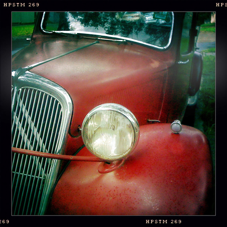 Headlight of a 1949 Citroën Traction Avant
