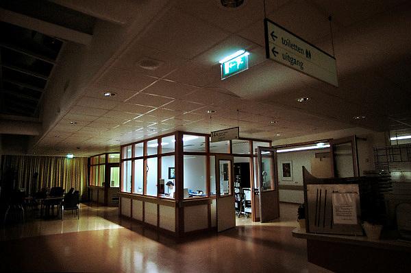 Nederland, Nijmegen, 13-5-2013Verpleegpost op een afdeling tijdens nachtdienst in het UMC Radboud. Radboudumc,Ziekenhuis, zorg, nachtmens, nachtwerk, verpleegkundige, personeelstekort gezondheidszorg, salaris.Foto: Flip Franssen