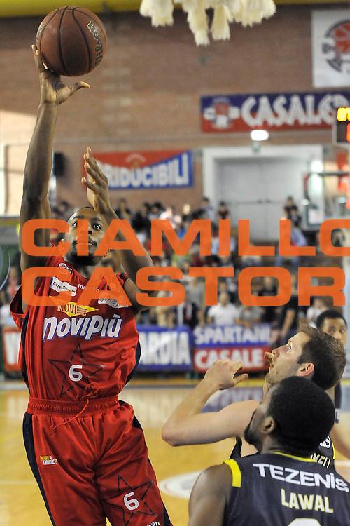 DESCRIZIONE : Casale Monferrato Campionato Lega Basket A2 2012-13 playoff quarti di finale gara 1<br /> Novipiu Casale Monferrato Vs Tezenis Verona <br /> GIOCATORE : Rodney Green<br /> SQUADRA : Novipiu Casale Monferrato<br /> EVENTO : Campionato Lega Basket A2 2012-2013 palyoff quarti di finale gara 1<br /> GARA : Novipiu Casale Monferrato Vs Tezenis Verona<br /> DATA : 12/05/2013<br /> CATEGORIA : Tiro<br /> SPORT : Pallacanestro <br /> AUTORE : Agenzia Ciamillo-Castoria/G.Gentile<br /> Galleria : Lega Basket A2 2012-2013 <br /> Fotonotizia : Casale Monferrato Campionato Lega Basket A2 2012-13 quarti di finale gara 1  Novipiu Casale Monferrato Vs Tezenis Verona<br /> Predefinita :