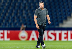 15.09.2016, Red Bull Arena, Salzburg, AUT, UEFA EL, FC Red Bull Salzburg vs FC Krasnodar, Gruppe I, 1. Runde, im Bild Trainer Oscar Garcia (FC Red Bull Salzburg) // during the UEFA Europa League, group I, 1st round match betweenFC Red Bull Salzburg and FC Krasnodar at the Red Bull Arena in Salzburg, Austria on 2016/09/15. EXPA Pictures © 2016, PhotoCredit: EXPA/ JFK