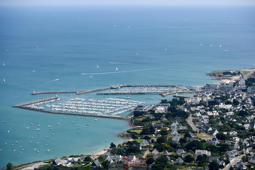 Vue aérienne de Port Haliguen a Quiberon dans le Morbihan
