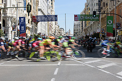 Peloton speed around the hairpin on Gran Via at Madrid Challenge by la Vuelta 2017 - a 87 km road race on September 10, 2017, in Madrid, Spain. (Photo by Sean Robinson/Velofocus.com)