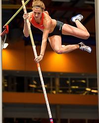 27-02-2016 NED: NK Atletiek Indoor, Apeldoorn<br /> Femke Pluim pakt de titel bij het polsstokhoogspringen.