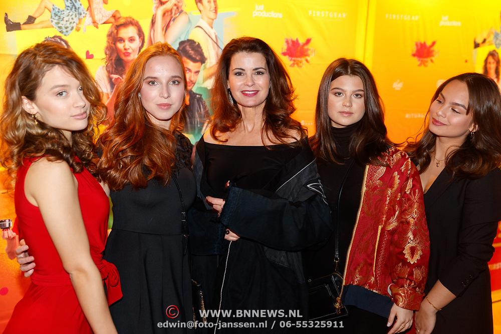 NLD/Amsterdam/20181122 - Premiere First Kiss, Caroline de Bruin en familie