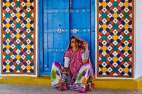 Inde, Gujarat, Kutch, village de Hodka, femme d'ethnie Meghwal // India, Gujarat, Kutch, Hodka village, Meghwal ethnic group