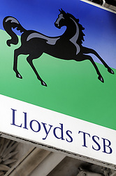 © Licensed to London News Pictures. 24/04/2013.Lloyds Banking Group's sale of more than 600 branches to the Co-operative Group, which included transferring five million of its customers, has collapsed today.   Fenchurch Street Branch junction with Lloyds Avenue, London EC3..Photo credit : Grant Falvey/LNP
