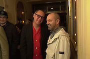 Vic Reeves and Keith Allen. pre-Gumball party. Mayfair Club. London. 25 May 2001. © Copyright Photograph by Dafydd Jones 66 Stockwell Park Rd. London SW9 0DA Tel 020 7733 0108 www.dafjones.com