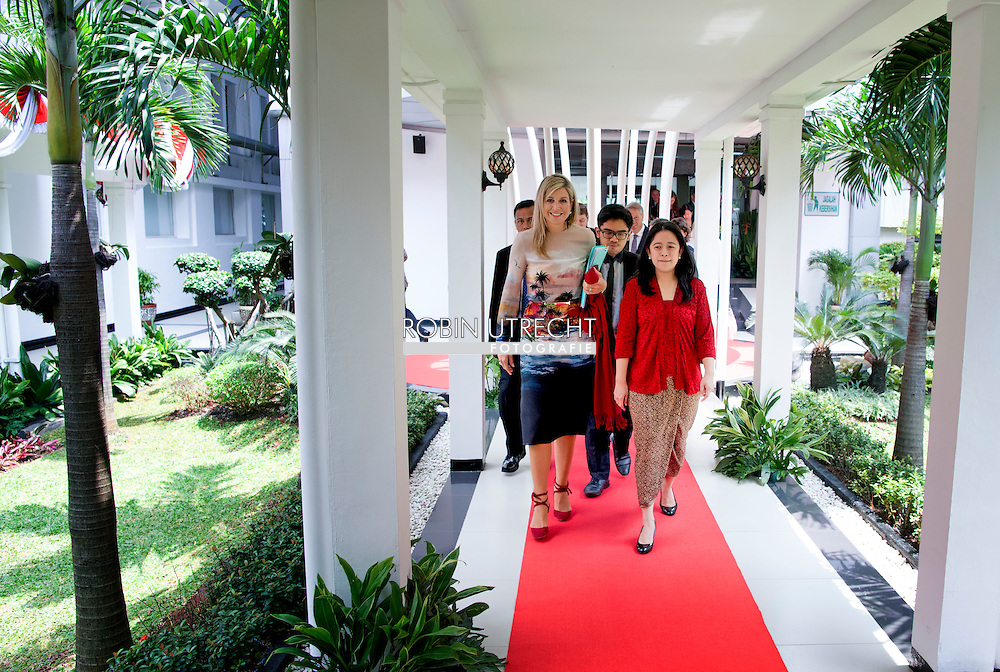 2016/01/09 JAKARTA - Koningin Maxima ontmoet Mrs Puan Makarani van het Minister human development and culture  bezoeken op Donderdag, 1 september tot 1 donderdag, september, de Republiek Indonesi&euml; in haar rol van speciale pleitbezorger van de secretaris-generaal van de Verenigde Naties voor Inclusive Finance for Development. COPYRIGHT ROBIN UTRECHT NETHERLANDS ONLY <br /> 1-9-2016 JAKARTA  - Queen Maxima  meets president indonesia  Joko Widodo Queen Maxima visit on thurday , 1 september to Thursday, September 1st, the Republic of Indonesia in its role of special advocate of the Secretary-General of the United Nations for Inclusive Finance for Development. COPYRIGHT ROBIN UTRECHT NETHERLANDS ONLY
