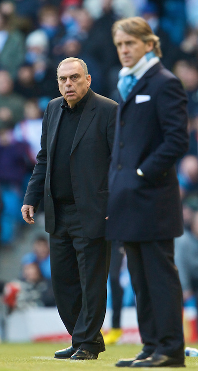 MANCHESTER, ENGLAND - Sunday, January 31, 2010: Portsmouth's manager Avram Grant during the Premiership match against Manchester City at the City of Manchester Stadium. (Photo by David Rawcliffe/Propaganda)
