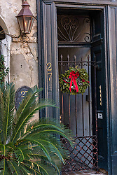 December 21, 2017 - Charleston, South Carolina, United States of America - A Christmas wreath hangs from a historic home along State Street in Charleston, SC. (Credit Image: © Richard Ellis via ZUMA Wire)