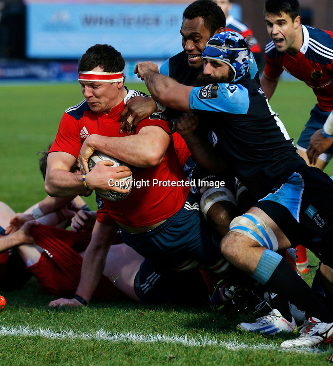 Guinness PRO12, Scotstoun Stadium, Scotland 20/12/2014<br /> Glasgow Warriors vs Munster<br /> Munster's Robin Copeland scores their second try<br /> Mandatory Credit &copy;INPHO/Russell Cheyne