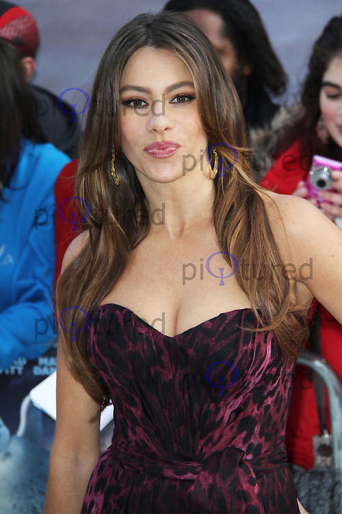 Sophia Vergara Happy Feet Two European Premiere, Empire Cinema, Leicester Square, London, UK. 20 November 2011. Contact rich@pictured.com +44 07941 079620 (Picture by Richard Goldschmidt)