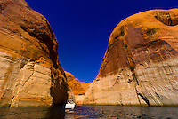 Boating on Lake Powell, Glen Canyon National Recreation Area, Arizona/Utah border USA