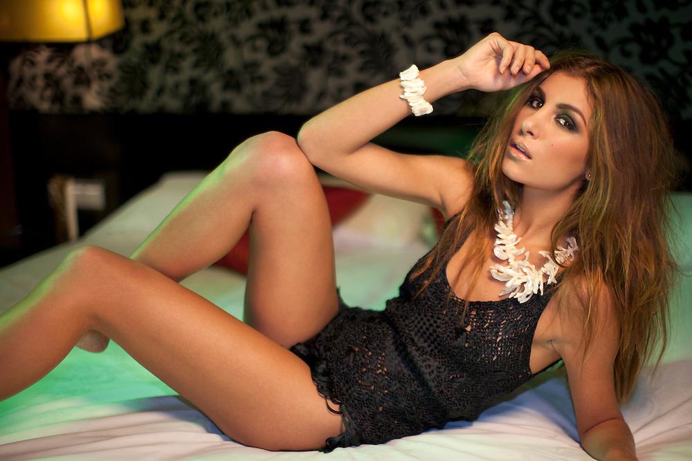 Photography: MIGUEL PEREIRA.Model: LOLA GÓMEZ BREY.Styling: INÉS LACASA.Make-up: LAURA PÉREZ