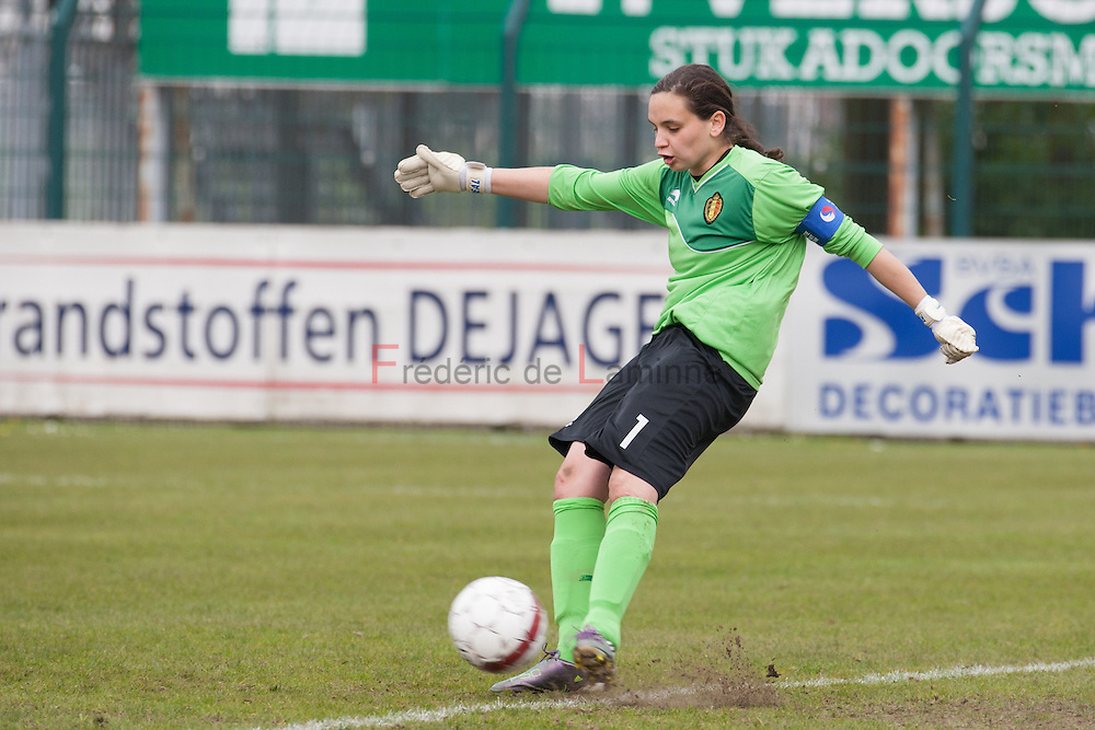 21120413 - HARELBEKE, BELGIUM : Belgium's  Nicky Evrard (1)  is pictured here during the Second qualifying round of U17 Women Championship between Switzerland and Belgium on Friday April 13th, 2012 in Harelbeke, Belgium.
