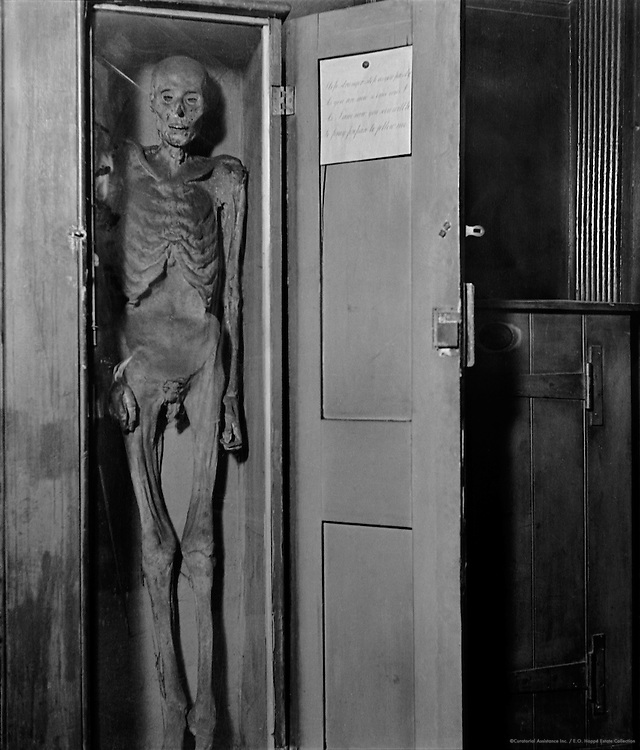 Skeleton, Mummy at St. James's Parish Hill Reputed, London, 1934