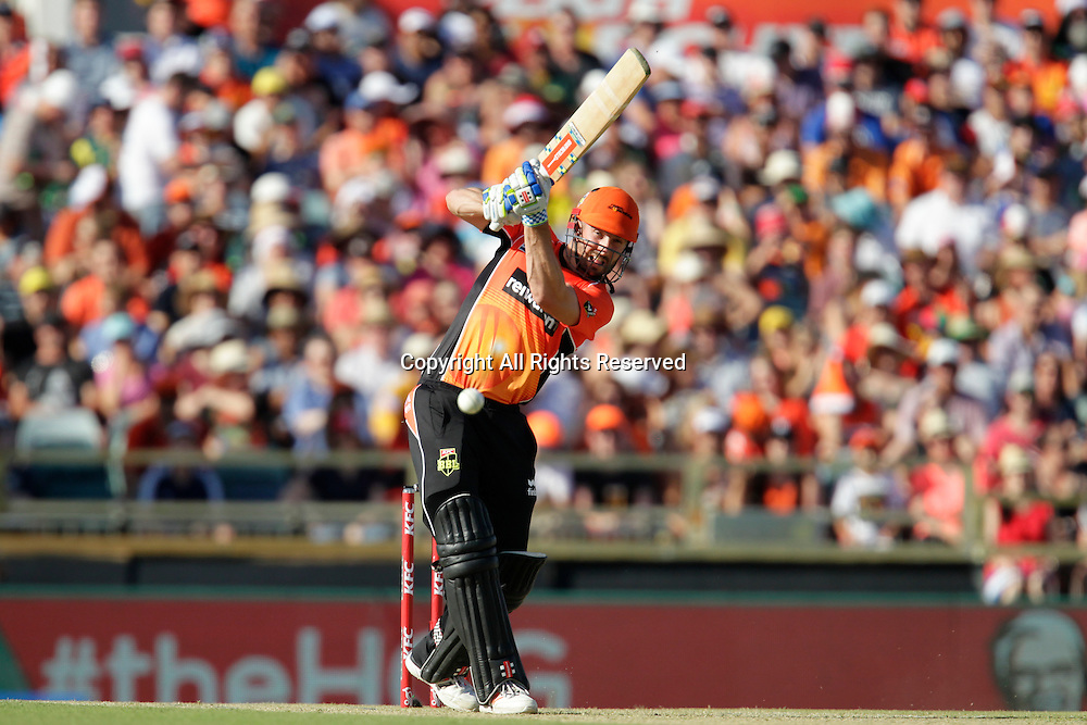 21.12.2015. Perth, Australia. Big Bash Cricket league 05 Perth Scorchers versus Adelaide Strikers. Shaun Marsh plays through mid wicket on his way to 47.