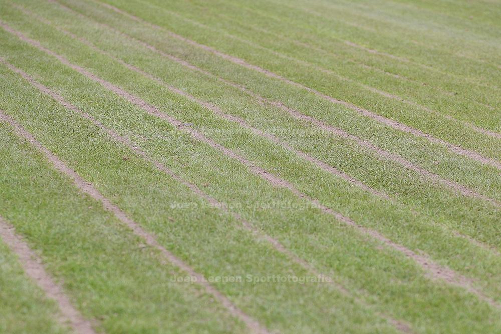 DEN HAAG, ADO Den Haag - Vitesse, voetbal Eredivisie, seizoen 2013-2014, 02-10-2013, Kyocera Stadion, het veld ligt er slecht bij in Den Haag.