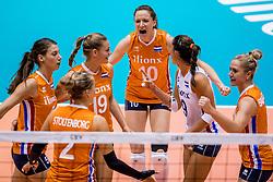 24-08-2017 NED: World Qualifications Netherlands - Czech Republic, Rotterdam<br /> De Nederlandse volleybalsters hebben op het WK-kwalificatietoernooi ook hun derde duel gewonnen. Oranje versloeg in het Topsportcentrum in Rotterdam Tsjechi&euml; in drie sets: 25-18, 25-22 en 25-18. Vreugde bij Nederland met Lonneke Sloetjes #10 of Netherlands, Yvon Belien #3 of Netherlands, Robin de Kruijf #5 of Netherlands, Maret Balkestein-Grothues #6 of Netherlands