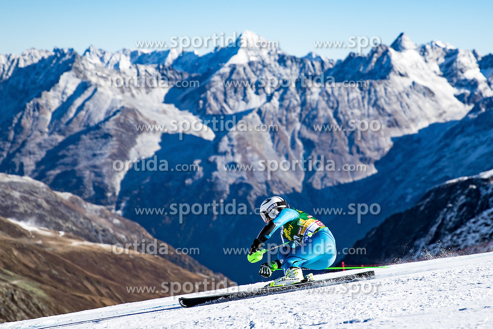 22.10.2016, Rettenbachferner, Soelden, AUT, FIS Weltcup Ski Alpin, Soelden, Riesenslalom, Damen, 1. Durchgang, im Bild Ragnhild Mowinckel (NOR) // Ragnhild Mowinckel of Norway in action during 1st run of ladies Giant Slalom of the FIS Ski Alpine Worldcup opening at the Rettenbachferner in Soelden, Austria on 2016/10/22. EXPA Pictures © 2016, PhotoCredit: EXPA/ Johann Groder