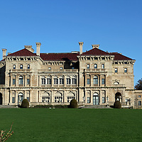 The Breakers was built in 1895 and was the 70 room summer cottage of Cornelius Vanderbilt.  Designed by American architect Richard Morris Hunt. Newport, Rhode Island, USA.