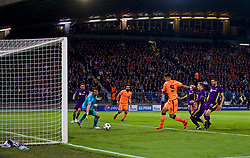 MARIBOR, SLOVENIA - Tuesday, October 17, 2017: Liverpool's Roberto Firmino scores the first goal during the UEFA Champions League Group E match between NK Maribor and Liverpool at the Stadion Ljudski vrt. (Pic by David Rawcliffe/Propaganda)
