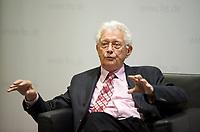DEU, Deutschland, Germany, Berlin, 12.11.2012:<br />Dr. Horst Heidermann, ehemaliges Geschäftsführendes Vorstandsmitglied der Friedrich-Ebert-Stiftung, während einer Veranstaltung der Friedrich-Ebert-Stiftung Berlin.