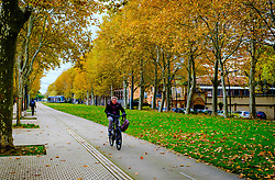 Cyclist on the Allée Jules Guesde, Toulouse, France<br /> <br /> (c) Andrew Wilson | Edinburgh Elite media