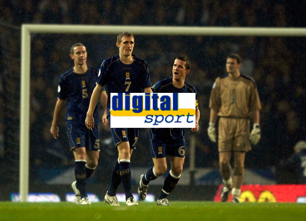 Photo: Jed Wee/Sportsbeat Images.<br /> Scotland v Italy. UEFA European Championships Qualifying. 17/11/2007.<br /> <br /> Scotland players show their disappointment as they concede inside the first couple of minutes; L to R: David Weir, Darren Fletcher, Barry Ferguson and Craig Gordon.