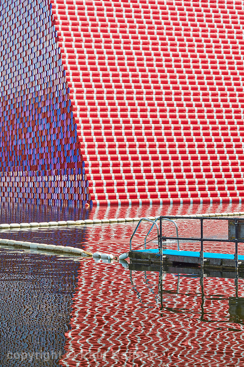 The Mastaba The Serpentine Lake, Hyde Park. Christo and Jeanne-Claude