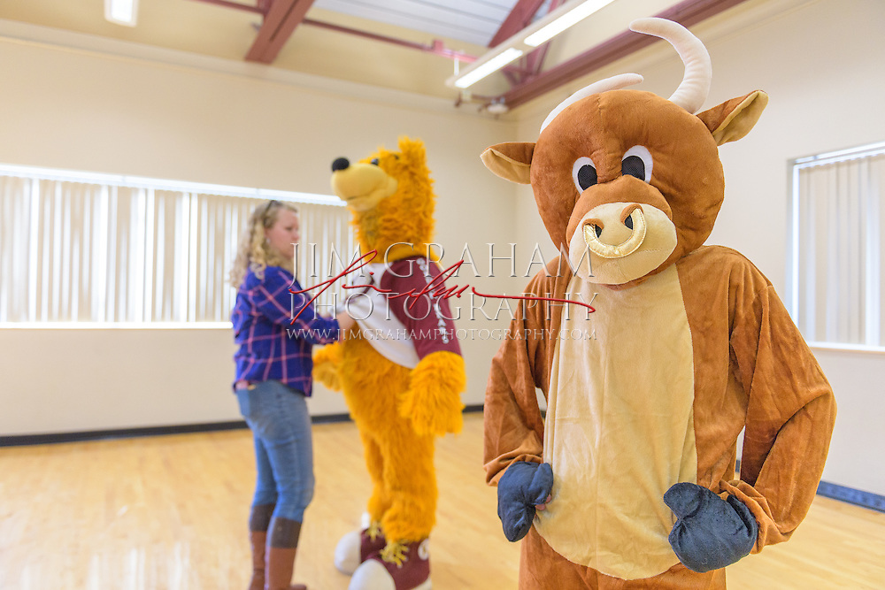 """""""Da Bull"""" gets put through her paces at Mascot Bootcamp in Kutztown, PA, 8 April 2016. Here he is working with """"Da Bull"""" aka Washington Post writer Sarah Larimer. Photograph by Jim Graham"""