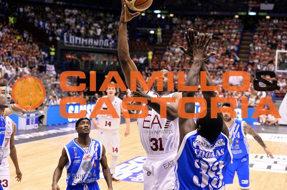 DESCRIZIONE : Milano Lega A 2013-14 EA7 Emporio Armani Milano  vs Banco di Sardegna Sassari playoff semifinali gara 1<br /> GIOCATORE : Gani Lawal<br /> CATEGORIA : Tiro<br /> SQUADRA : EA7 Emporio Armani Milano<br /> EVENTO : Semifinale gara 1 playoff<br /> GARA : EA7 Emporio Armani Milano vs Banco di Sardegna Sassari gara1<br /> DATA : 30/05/2014<br /> SPORT : Pallacanestro <br /> AUTORE : Agenzia Ciamillo-Castoria/R.Morgano<br /> Galleria : Lega Basket A 2013-2014  <br /> Fotonotizia : Milano Lega A 2013-14 EA7 Emporio Armani Milano vs Banco di Sardegna Sassari playoff semifinale gara 1<br /> Predefinita :