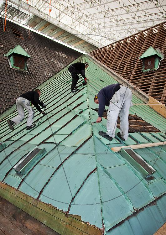 Vor Frelser Kirke, København, udskiftning af kobbertag , stilladsarbejde, arbejds sikkerhed, blikkenslagere, kobberslagere , kobbersmed