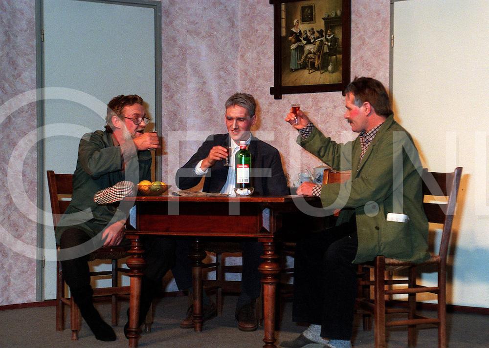 .022197 herxen ned.toneel uitvoering....foto frank uijlenbroek©1997