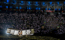 05-08-2016 BRA: Olympic Games day -1, Rio de Janeiro<br /> Openingsceremonie van de Olympische Spelen in Rio / dans, vuurwerk, muziek, show en een boodschap aan de wereld