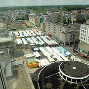 NLD/Almere/20070516 - Overzicht over de gemeente Almere, markt op het marktplein