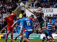 Photo: Daniel Hambury.<br />Reading v Watford. Coca Cola Championship. 11/03/2006.<br />Reading's Marcus Hahnemann punches clear.