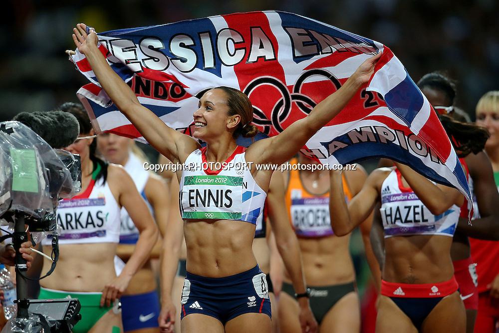 Great Britain's Jessica Ennis wins Gold. Athletics, Women's Heptathlon at Olympic Stadium, London, United Kingdom. Saturday 4th August 2012. Photo: Anthony Au-Yeung / photosport.co.nz