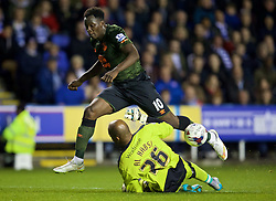 READING, ENGLAND - Tuesday, September 22, 2015: Everton's Romelu Lukaku is denied by Reading's goalkeeper Ali Al Habsi during the Football League Cup 3rd Round match at the Madejski Stadium. (Pic by David Rawcliffe/Propaganda)