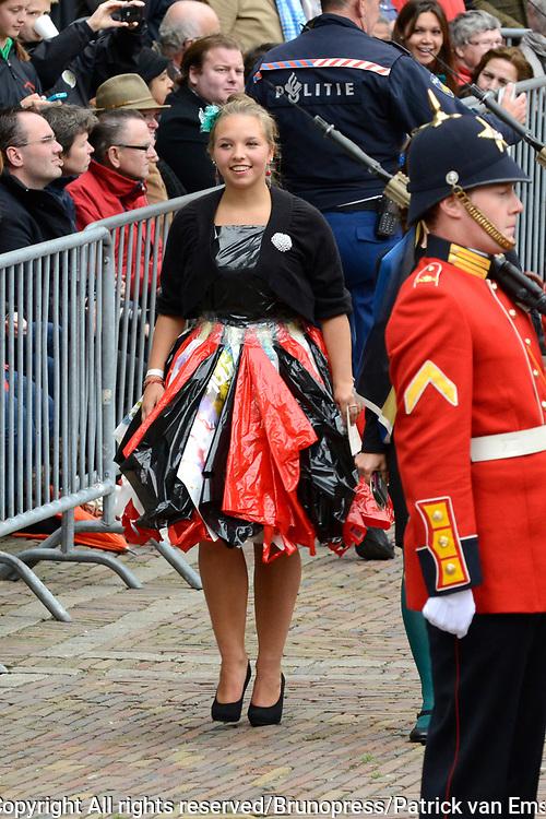 Prinsjesdag 2013 - Aankomst Parlementariërs bij de Ridderzaal op het Binnenhof.