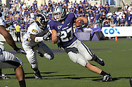 MANHATTAN, KS - NOVEMBER 17:  Wide receiver Jordy Nelson #27 of the Kansas State Wildcats rushes up field against the Missouri Tigers in the first half on November 17, 2007 at Bill Snyder Stadium in Manhattan, Kansas.  Missouri won the game 49-32.  (Photo by Peter Aiken/Getty Images)
