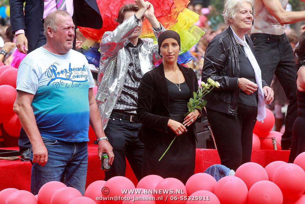 NLD/Amsterdam/20110806 - Canalpride Gaypride 2011, Stadsdeelvoorzitter Fatima Elatik