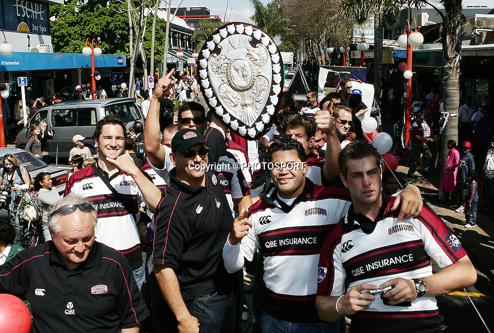 The Harbour team celebrate during the street parade for the North Habour Air NZ Cup team who won the Ranfurly Shield last weekend, at Takapuna, Auckland, on Thursday 28 September 2006. Photo: Tim Hales/PHOTOSPORT<br /><br /><br />280906